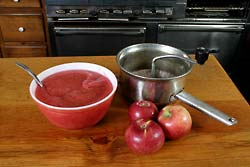apple-cranberry-sauce